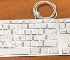 Apple Wired Keyboard US