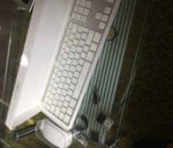 Apple Magic mouse a klávesnice