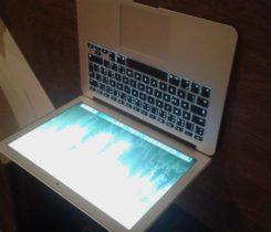 """Pojištěný MacBook  Air 13,3"""" v záruce"""