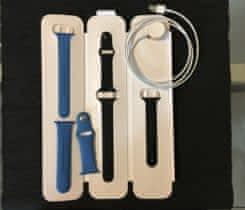 Silikonový řemínek 2x, USB kabel