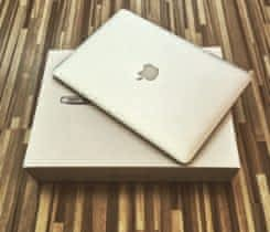 Macbook Air 13, 8GB RAM, 128GB SSD 2015