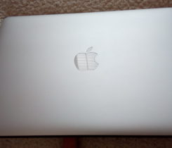 Apple MacBook Air 13, model zaří 2015