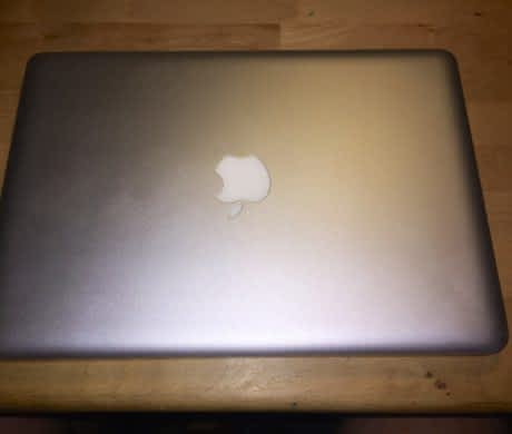 Macbook 2008 2,4MHz, 4GB RAM, 256 SSD