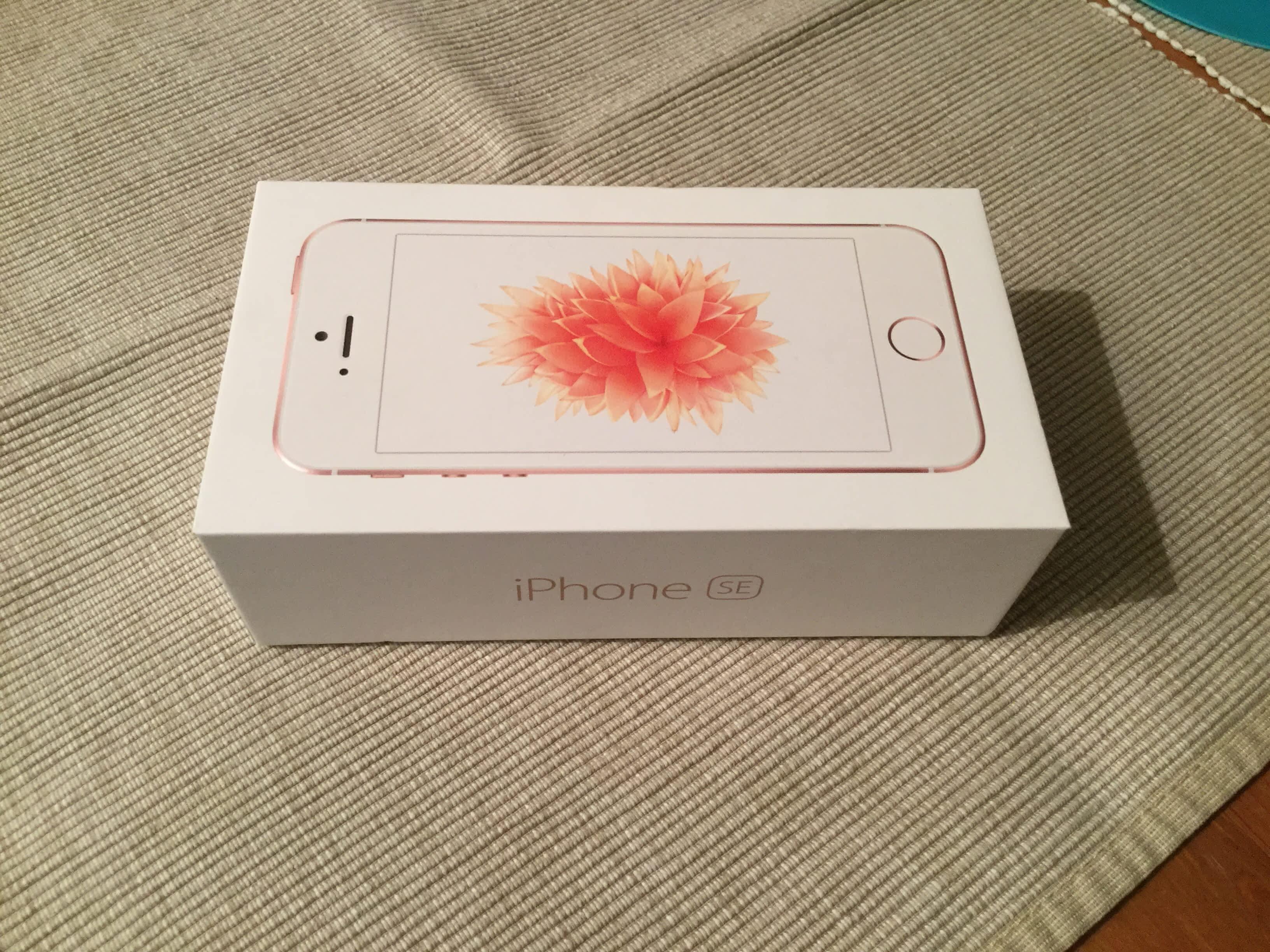 iphone se 16g rose gold apple bazar. Black Bedroom Furniture Sets. Home Design Ideas
