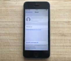 iPhone 5S 16 GB / vesmírně šedý /zánovní
