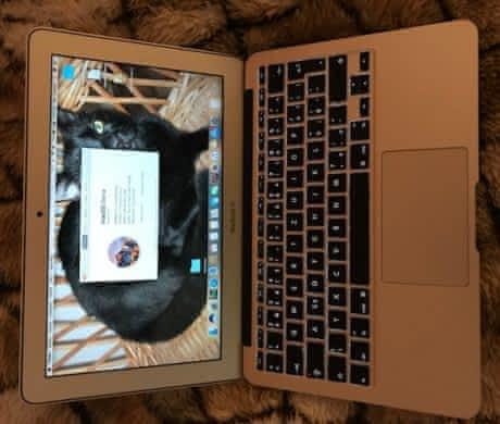 "Prodám MacBook Air 11"", mid 2012"