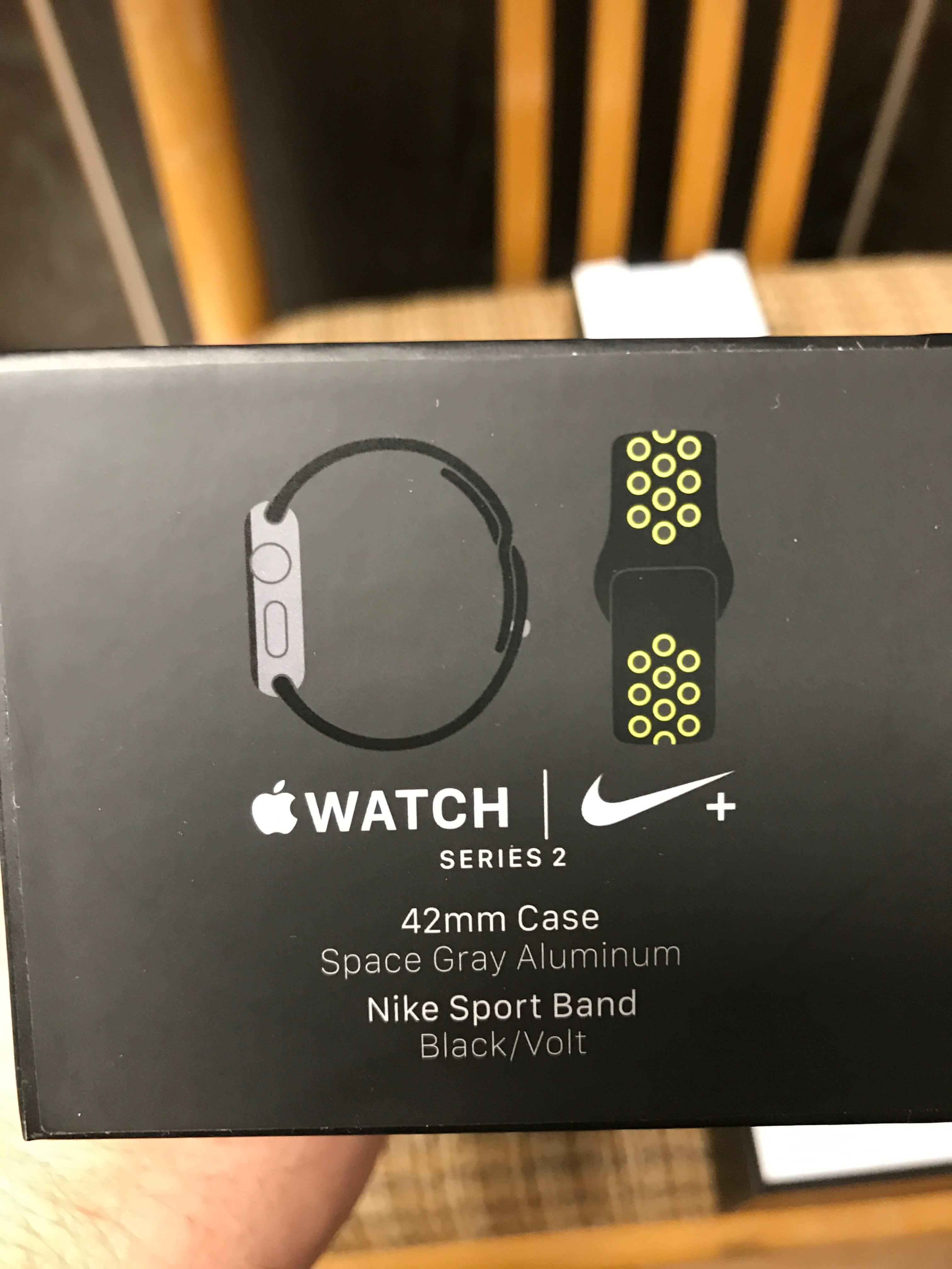 Prodám Apple WATCH Nike 42 mm  0482071239b