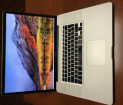 "MACBOOK PRO 17"" i7 / 16GB RAM /512GB SSD"