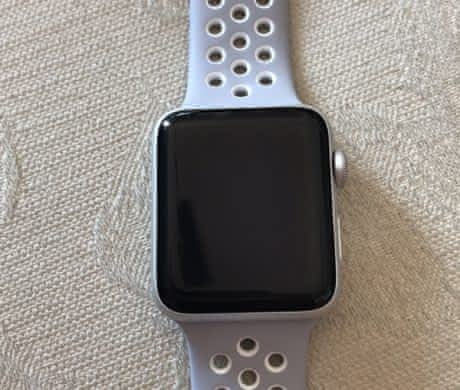 Prodám Apple Watch Nike+ 42mm