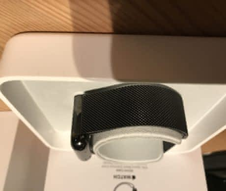 Apple watch 42mm + řemínek milánský tah