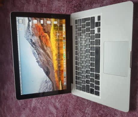 "Apple MacBook Pro 13"" 2009 8GB RAM, SSD,"
