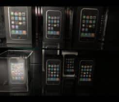 Sbírka Iphone 3G a 3GS pro sběratele