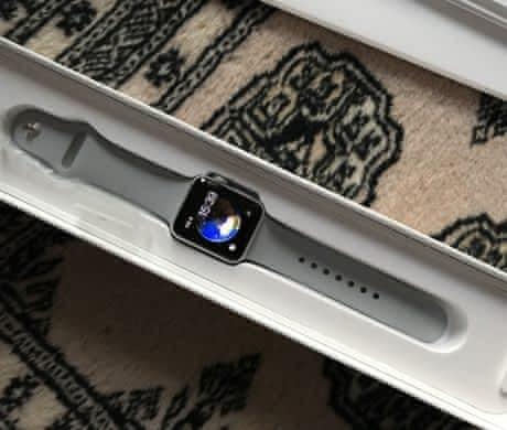 Nove Apple Watch S3 38 mm grey