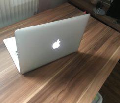 """Macbook Air 13"""" i5 8GB RAM 128 GB HDD"""