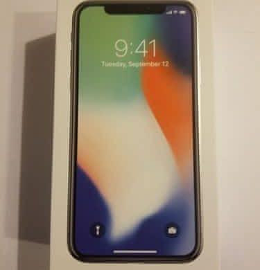 Apple iPhone X 64GB – záruka 2R, zabalen