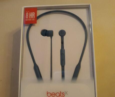 Bezdrátová sluchátka BeatsX modré