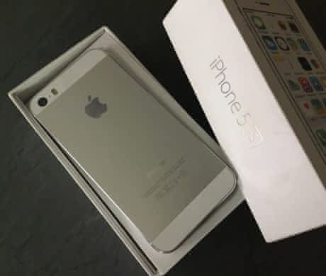 Space grey iPhone 16 gb neposkrabany