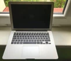 Prodám MacBook Air 13-Mid 2012