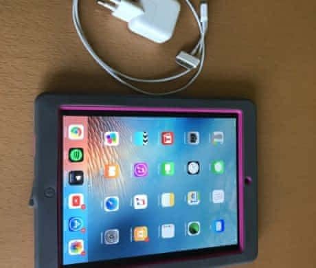 iPad 3.gen, 64GB, Wifi, stříbrný