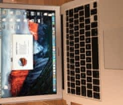 MacBook Air 13 2015 + 256G SD karta