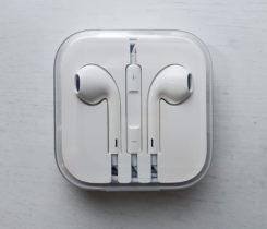 EarPods s 3,5mm sluchátkovým konektorem