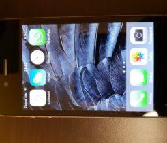 Zachovalý iPhone 4S 16GB vesmírně šedý