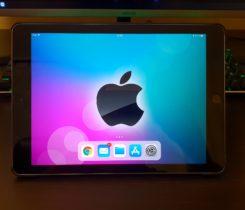 iPad 9,7 ( 2017 ) 32 GB + příslušenství