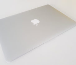 "MacbookAir13.3""(2015),8GRAM,256GSSD"