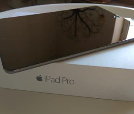 iPad Pro 9.7 128GB + Klávesnice + Kryt