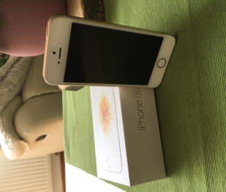 Apple iPhone SE 64GB Gold, jako nový