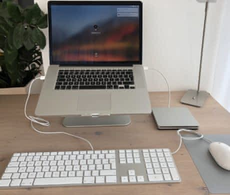 Macbook PRO 15 Retina + příslušenství