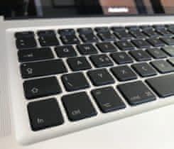 "Nový MacBook Pro 17"" 8GB RAM 128GB SSD"