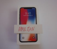 Apple iPhone X 64GB + Beats Studio3