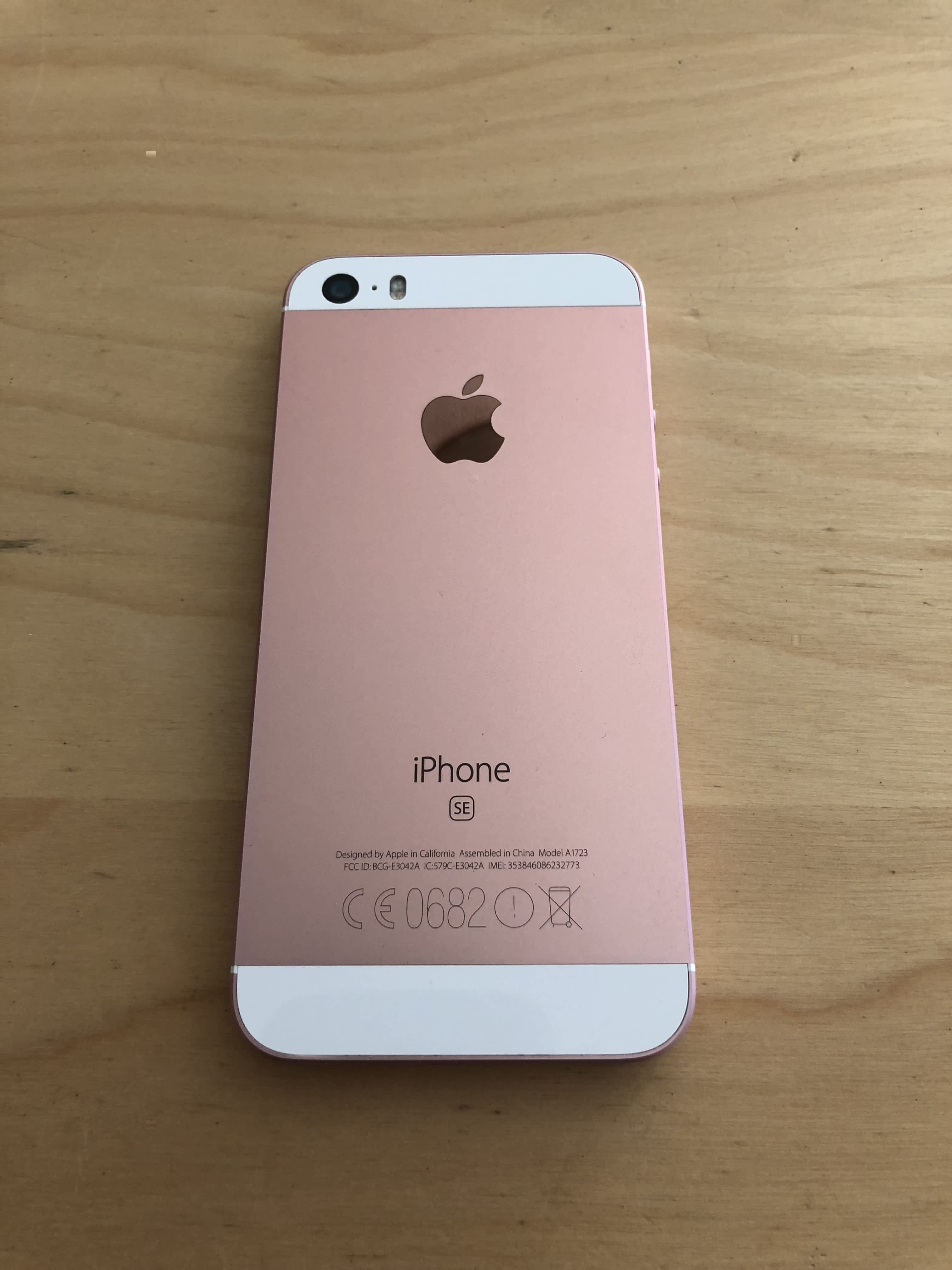01-iPhone-SE-32GB-RoseGold