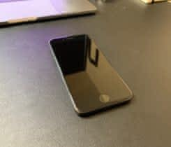 Prodám iPhone 8 64GB Space Gray!
