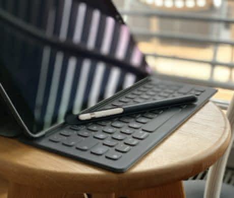 "Prodám iPad Pro 12.9"" Wi-Fi + Cellular 1"