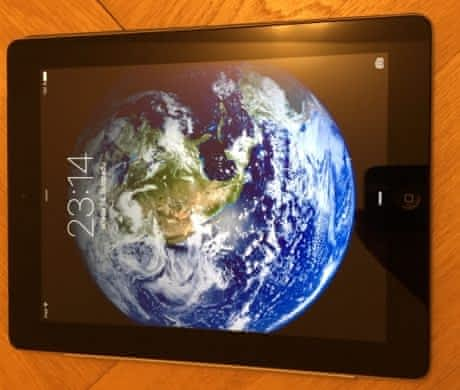 iPAD 3 (3G/LTE) jako nový + orig. smartc