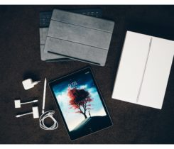 iPad Pro 12.9, WiFi, 128GB + příslušenst