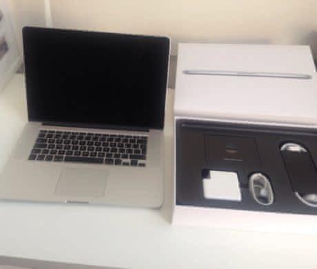 Prodám skoro nový MacBook Pro v záruce