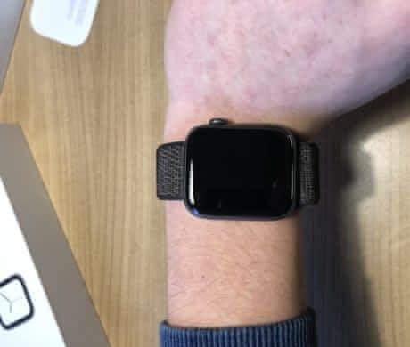 Prodám Apple Watch 44mm + druhý náramek