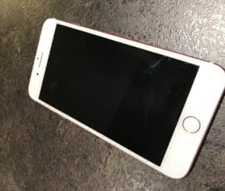 iPhone 7 plus 256GB zlatý + 14 obalů