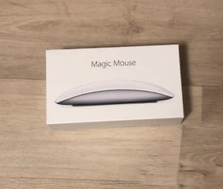 Apple Magic Mouse 2 v bílé barvě