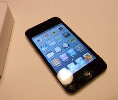 Prodám Ipod Touch 4. gen. (8 GB) – NOVÝ
