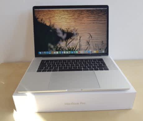 """Prodej MacBook Pro 15,4"""""""