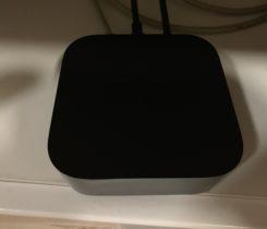 Prodám 2 týdny starou Apple TV 4K 64
