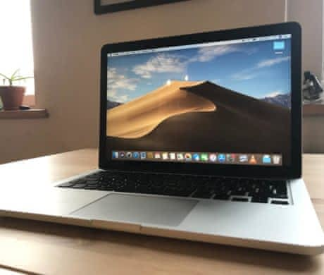 macbook pro 13, 2015 (i7, 16GB, 128GB)