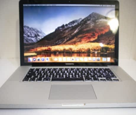 "Apple MacBook Pro 15"" mid 2010. Core I5."