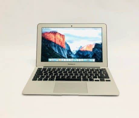 Macbook Air 11,  rok 2014, 4GB RAM, 128
