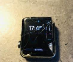 Apple Watch 3 42 mm s poškozeným LCD