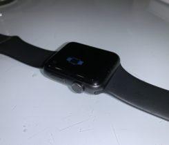 Apple Watch 3 42mm, záruka, pěkný stav